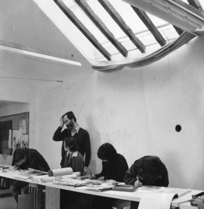Large oficina de desenho inicia  o primeiro semestre 78 79 prof manuel costa cabral