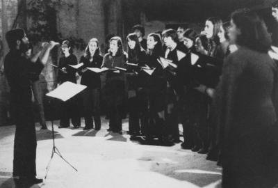 Large coro vertice hamorinazoes populares